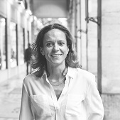 Constance Perrin, property hunter Paris 3
