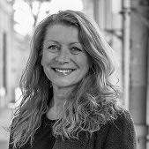 Nathalie Caron, property hunter Paris 1